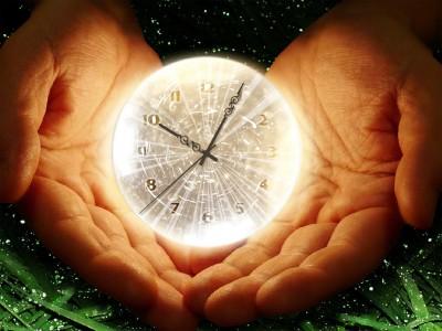 http://www.clock-desktop.com/shiny_clock.shtml